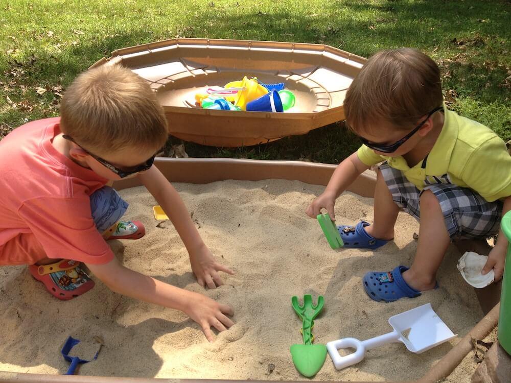 เล่นหาของในกระบะทราย