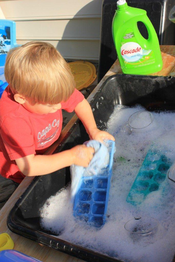สนุกกับการล้างจาน
